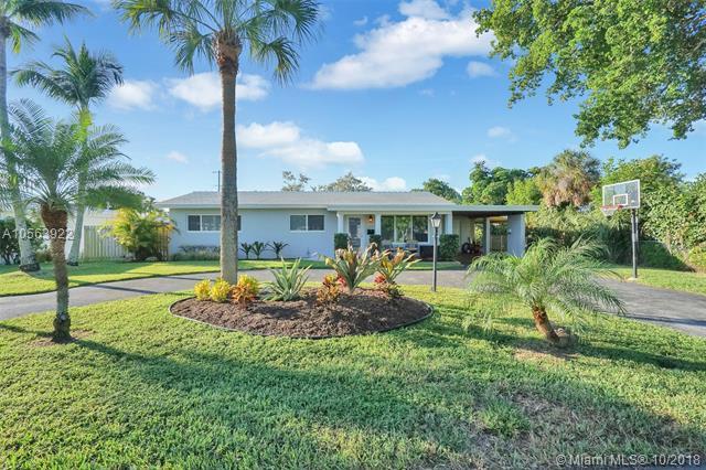 380 SE 6th Ct, Pompano Beach, FL 33060 (MLS #A10563922) :: Prestige Realty Group