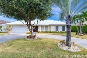 2810 NE 60th St, Fort Lauderdale, FL 33308 (MLS #A10564050) :: The Riley Smith Group