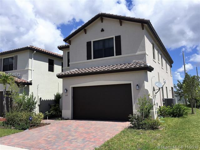 9479 W 32 Lane, Hialeah Gardens, FL 33018 (MLS #A10564572) :: Green Realty Properties