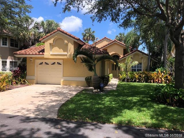 527 Misty Oaks Dr, Pompano Beach, FL 33069 (MLS #A10564963) :: Prestige Realty Group