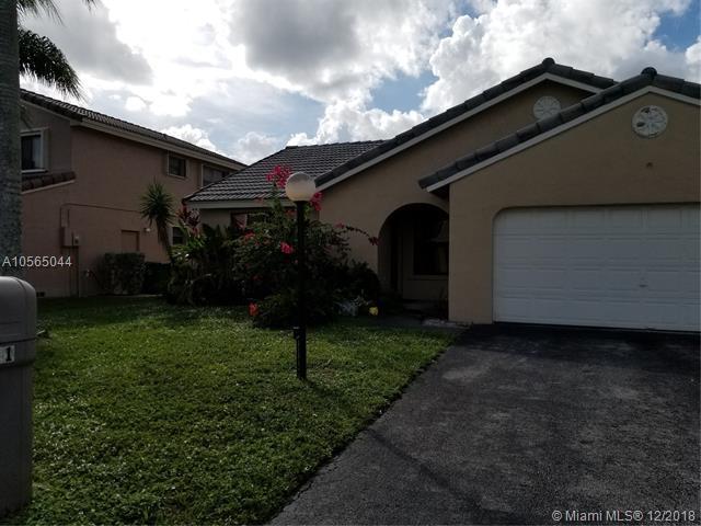 5911 York Lane, Davie, FL 33331 (MLS #A10565044) :: United Realty Group