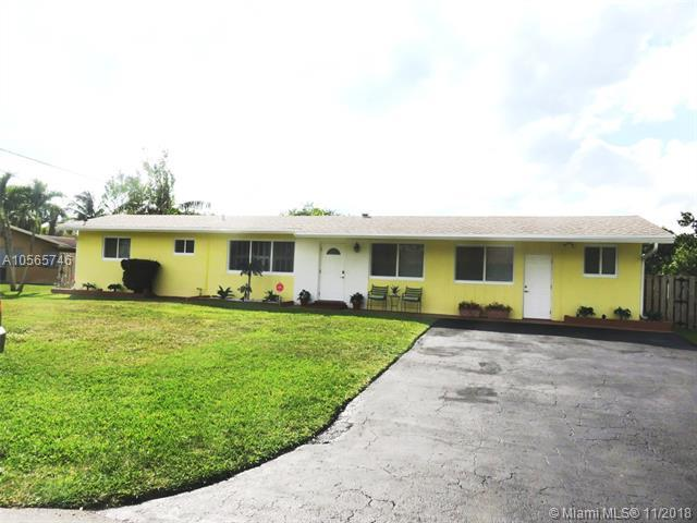 4757 SW 72nd Ave, Davie, FL 33314 (MLS #A10565746) :: Prestige Realty Group