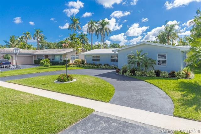 4306 Cleveland St, Hollywood, FL 33021 (MLS #A10565806) :: The Chenore Real Estate Group