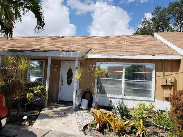 4703 NW 6th Ave, Deerfield Beach, FL 33442 (MLS #A10566153) :: The Riley Smith Group