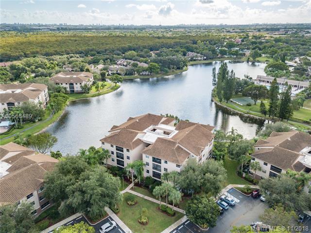 4400 NW 30th St #424, Coconut Creek, FL 33066 (MLS #A10566489) :: Prestige Realty Group