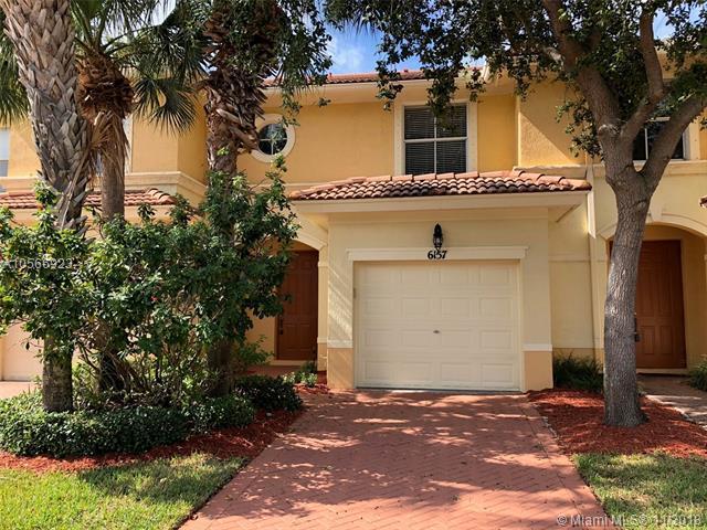 6157 Seminole Gardens Cir, Riviera Beach, FL 33418 (MLS #A10566923) :: Green Realty Properties
