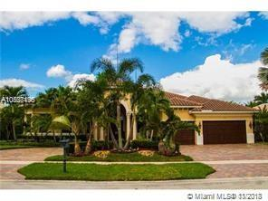 10301 Sweet Bay St, Plantation, FL 33324 (MLS #A10567496) :: The Riley Smith Group