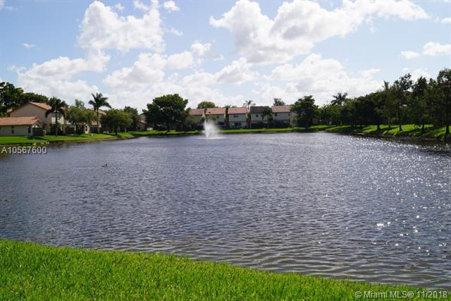 10858 NW 8th St #10858, Pembroke Pines, FL 33026 (MLS #A10567600) :: The Riley Smith Group