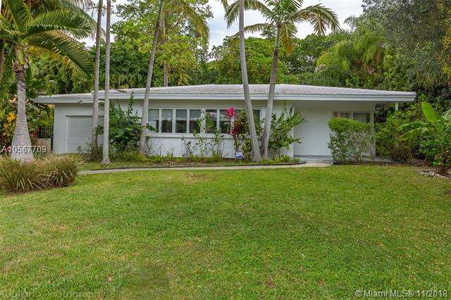 3711 SE Battersea Rd, Coconut Grove, FL 33133 (MLS #A10567709) :: The Jack Coden Group