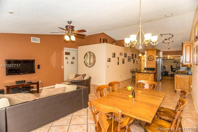25004 SW 123rd Pl, Homestead, FL 33032 (MLS #A10567717) :: Green Realty Properties