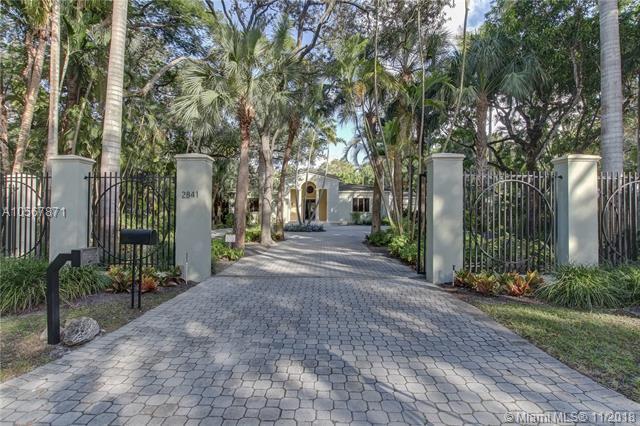 2841 Emathla St, Coconut Grove, FL 33133 (MLS #A10567871) :: The Adrian Foley Group