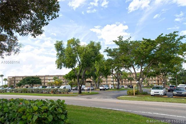 9355 SW 8th St #414, Boca Raton, FL 33428 (MLS #A10568114) :: Green Realty Properties
