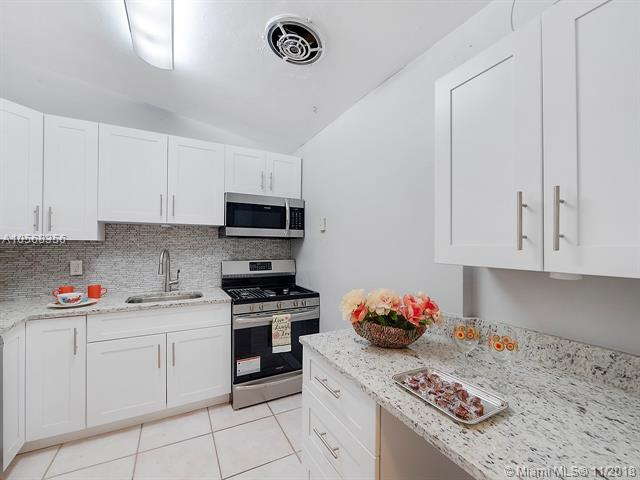 Boca Raton, FL 33487 :: Green Realty Properties