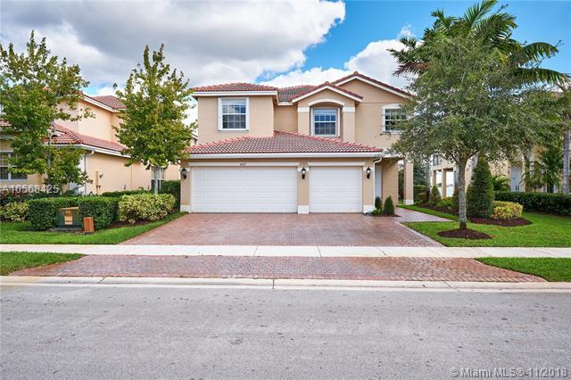 4427 SW 183rd Ave, Miramar, FL 33029 (MLS #A10568425) :: The Riley Smith Group