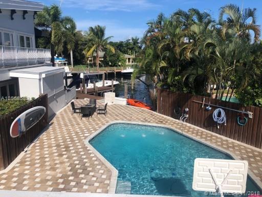 1272 SE 24th Ave, Pompano Beach, FL 33062 (MLS #A10568589) :: The Riley Smith Group