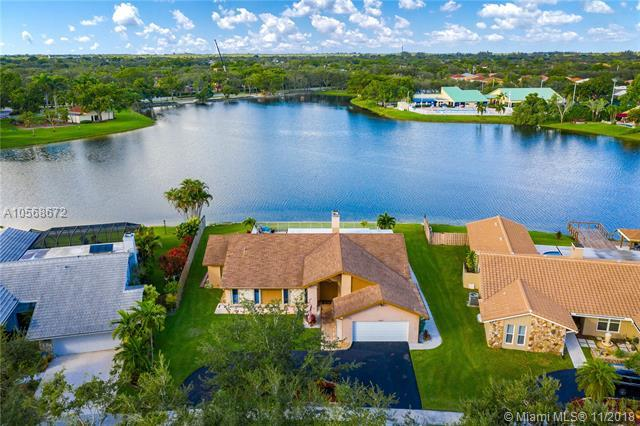 11611 Sunfish Way, Cooper City, FL 33026 (MLS #A10568672) :: The Chenore Real Estate Group