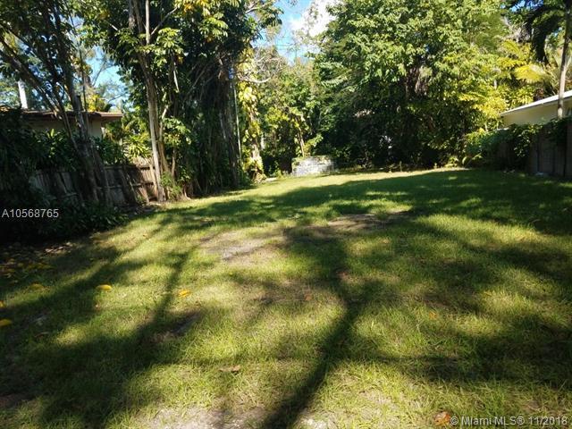 3651 Loquat, Coconut Grove, FL 33133 (MLS #A10568765) :: The Adrian Foley Group