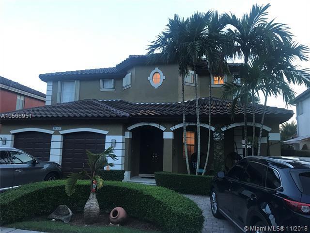 16536 SW 67th Ter, Miami, FL 33193 (MLS #A10568951) :: The Teri Arbogast Team at Keller Williams Partners SW