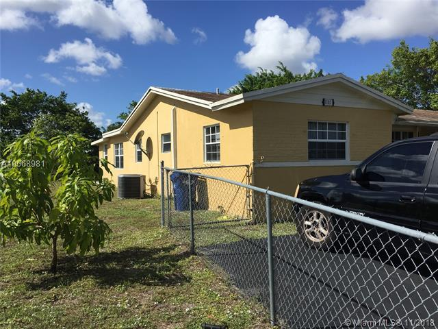 1101 NW 55 AVE, Lauderhill, FL 33313 (MLS #A10568981) :: The Riley Smith Group