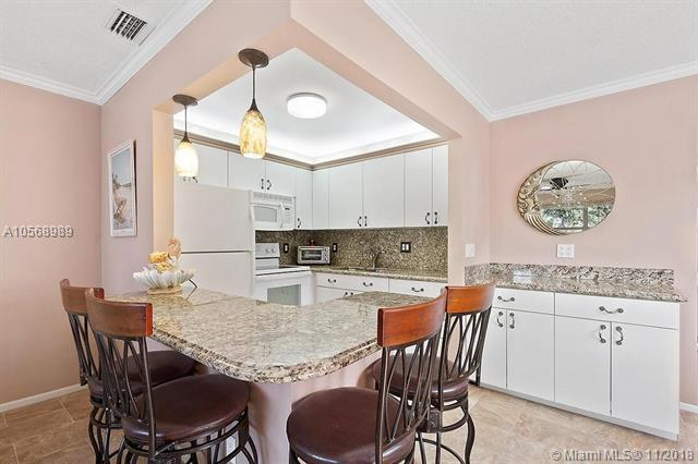 620 W Horizons  W #205, Boynton Beach, FL 33435 (MLS #A10568989) :: Prestige Realty Group