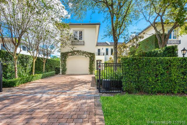 4807 University Dr #4807, Coral Gables, FL 33146 (MLS #A10569112) :: The Adrian Foley Group