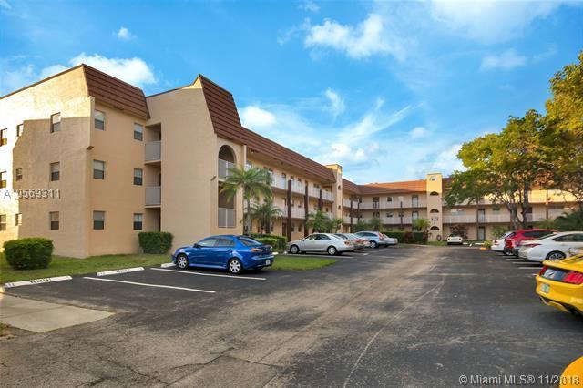 2801 N Pine Island Rd #302, Sunrise, FL 33322 (MLS #A10569311) :: The Riley Smith Group