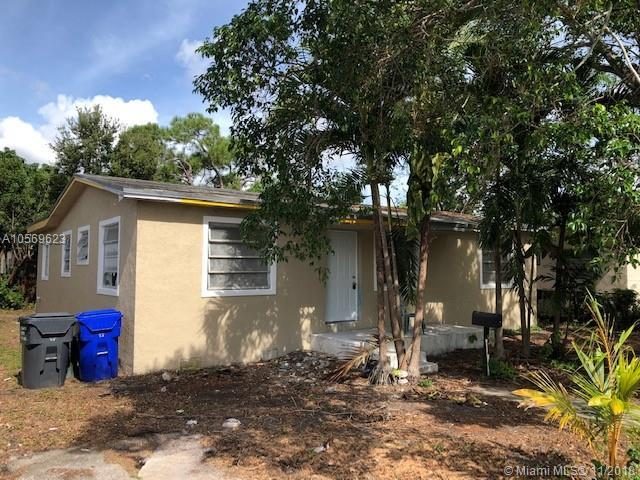 6437 Evans St, Hollywood, FL 33024 (MLS #A10569623) :: The Riley Smith Group