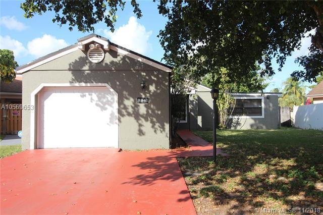 8841 SW 21st St, Miramar, FL 33025 (MLS #A10569653) :: Green Realty Properties