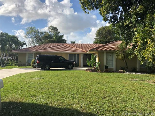 8560 NW 27th Dr, Coral Springs, FL 33065 (MLS #A10569731) :: Prestige Realty Group