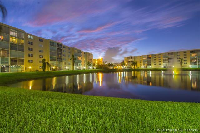 424 SE 10th St #307, Dania Beach, FL 33004 (MLS #A10569966) :: The Riley Smith Group