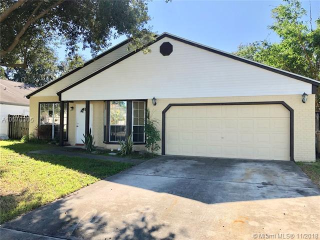 13500 SW 9th Pl, Davie, FL 33325 (MLS #A10570305) :: The Chenore Real Estate Group