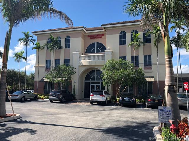 568 E Yamato Rd #3, Boca Raton, FL 33431 (MLS #A10570343) :: The Riley Smith Group