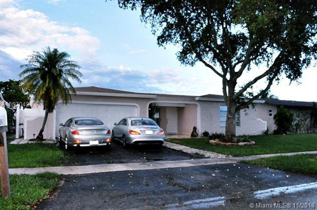 10261 NW 24th Ct, Sunrise, FL 33322 (MLS #A10570424) :: Green Realty Properties