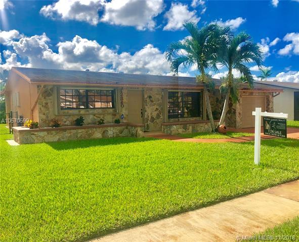 12340 NW 30th St, Sunrise, FL 33323 (MLS #A10570599) :: Green Realty Properties