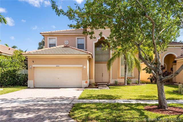 2205 W Portofino Ave, Homestead, FL 33033 (MLS #A10570686) :: Prestige Realty Group