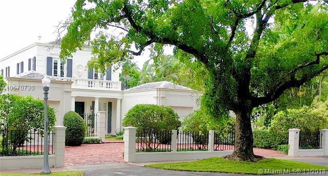4117 Santa Maria St, Coral Gables, FL 33146 (MLS #A10570730) :: The Maria Murdock Group