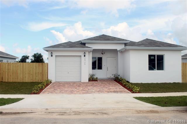 30755 SW 158th Path, Homestead, FL 33033 (MLS #A10570837) :: Prestige Realty Group