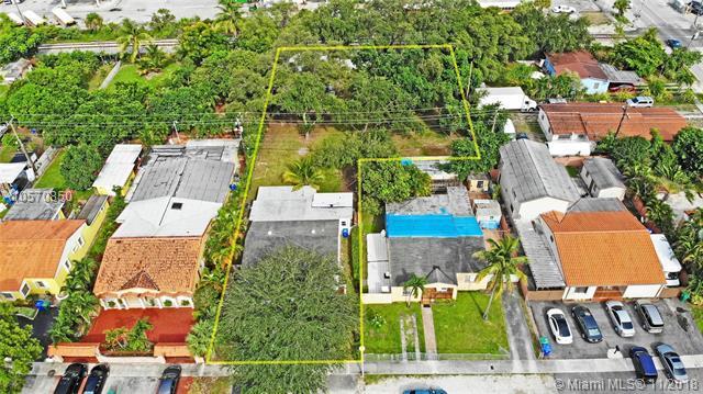 301 SW 71, Miami, FL 33144 (MLS #A10570850) :: The Riley Smith Group