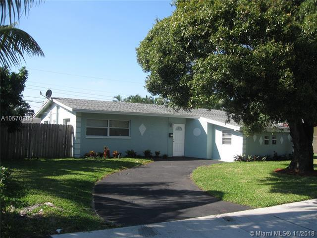2431 NE 3rd Ave, Pompano Beach, FL 33064 (MLS #A10570893) :: The Riley Smith Group
