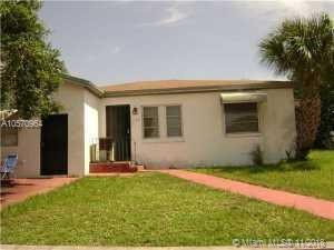 1196 W 33rd St, Riviera Beach, FL 33404 (MLS #A10570964) :: The Riley Smith Group