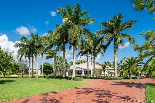 24351 SW 140th Ave, Homestead, FL 33032 (MLS #A10570981) :: Prestige Realty Group