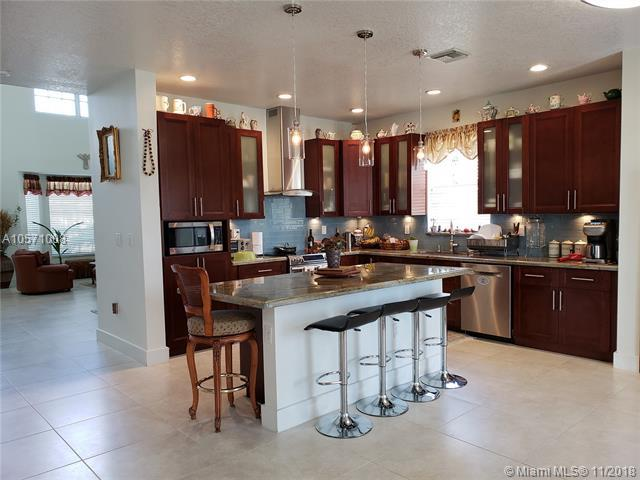 14226 NW 21st St #0, Pembroke Pines, FL 33028 (MLS #A10571008) :: The Chenore Real Estate Group
