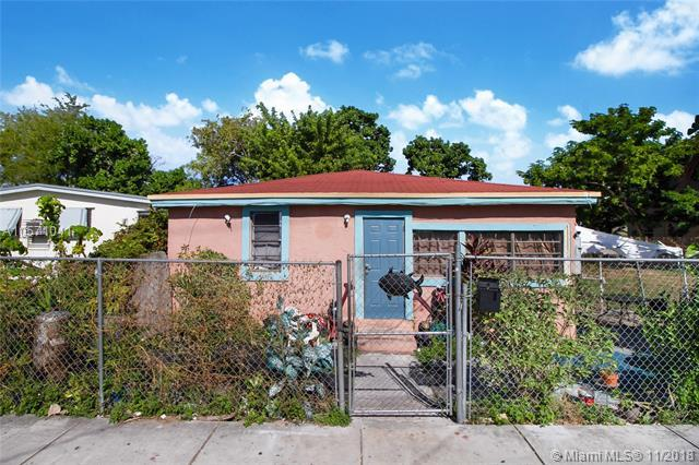 1717 NW 67th St, Miami, FL 33147 (MLS #A10571041) :: Prestige Realty Group