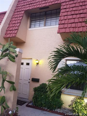 8 The Common #8, Tamarac, FL 33319 (MLS #A10571087) :: The Riley Smith Group