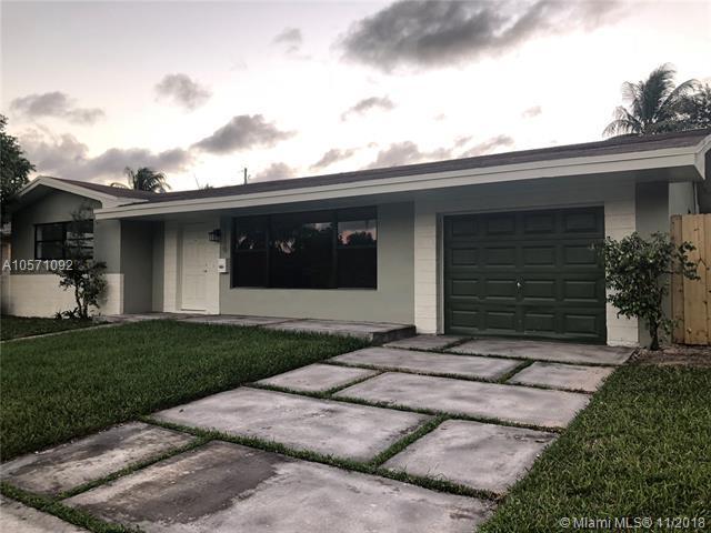 2220 N 34th Ave, Hollywood, FL 33021 (MLS #A10571092) :: Prestige Realty Group