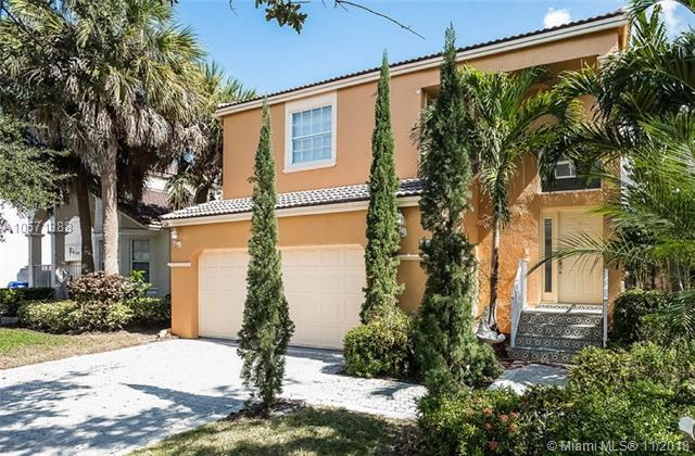159 NW 152nd Ln, Pembroke Pines, FL 33028 (MLS #A10571388) :: The Chenore Real Estate Group