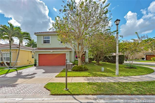 4062 Crescent Creek Pl, Coconut Creek, FL 33073 (MLS #A10571666) :: The Riley Smith Group