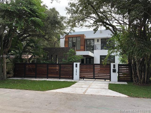 2472 Inagua Ave, Miami, FL 33133 (MLS #A10571867) :: The Riley Smith Group