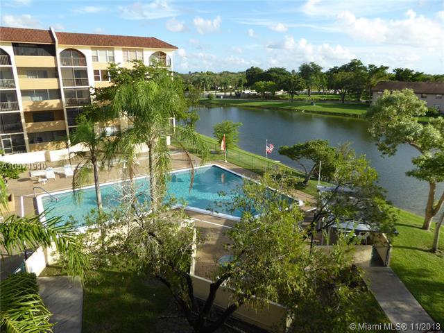 3955 N Nob Hill Rd #400, Sunrise, FL 33351 (MLS #A10571910) :: The Riley Smith Group