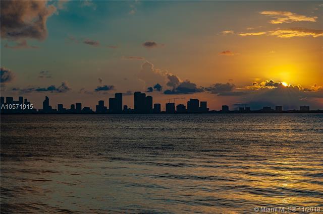 5712 N Bay Rd, Miami Beach, FL 33140 (MLS #A10571915) :: Prestige Realty Group